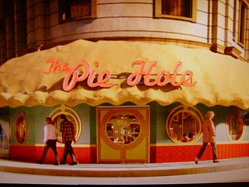 "Pushing Daisies ""The Pie Hole Font?"""