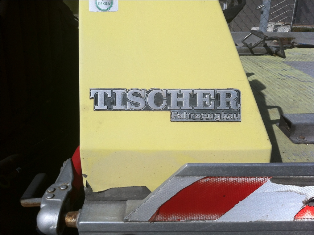 "Hi anyone know another ""Tischer"" Font"