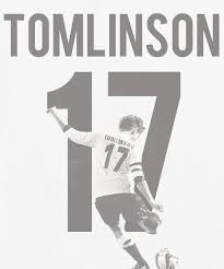 PLEASE GUYS TELL ME WHAT THE NAME OF THIS FONT (LOUIS TOMLINSON 17)