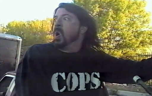 "Font on the longsleeve shirt of Dave Grohl in ""Whit Limo"" music movie"