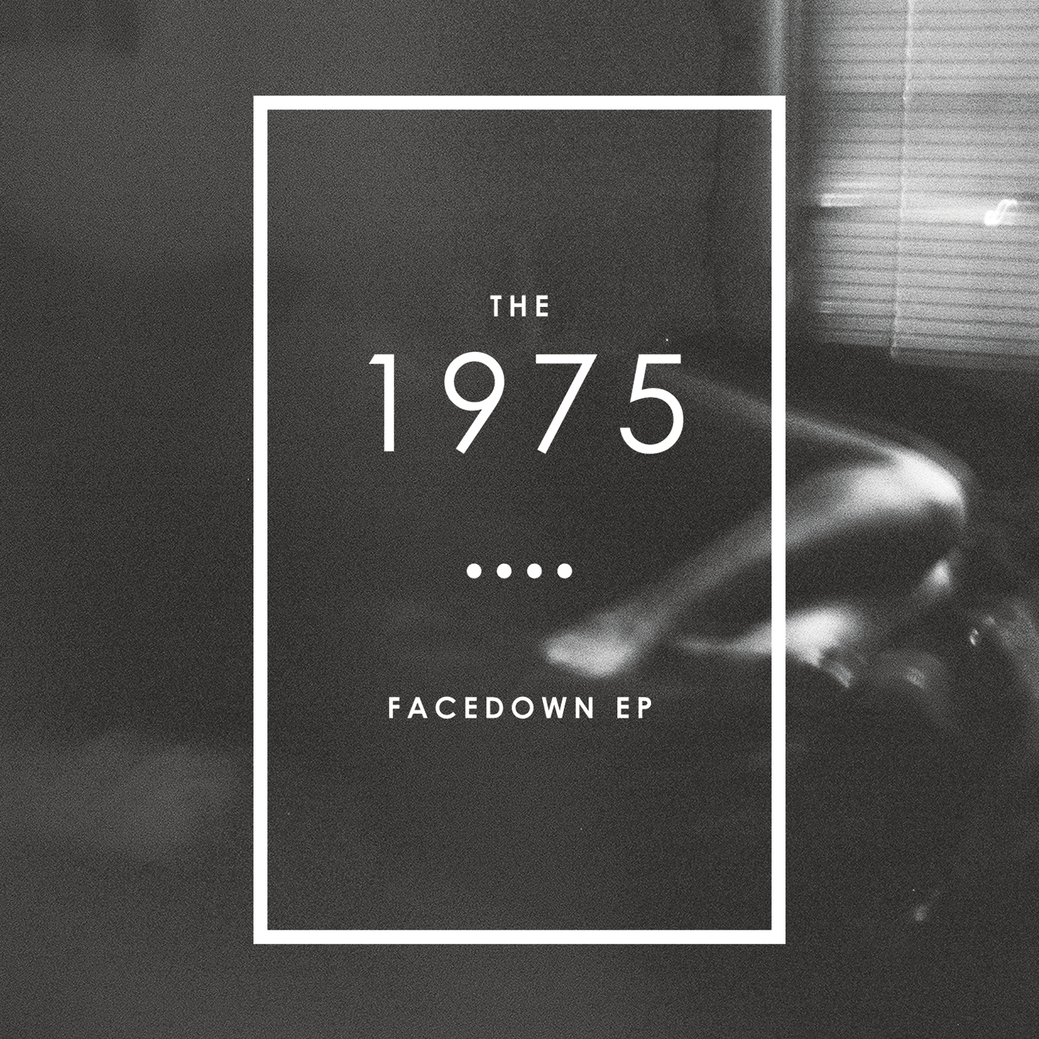 What is the font for the text of The 1975?