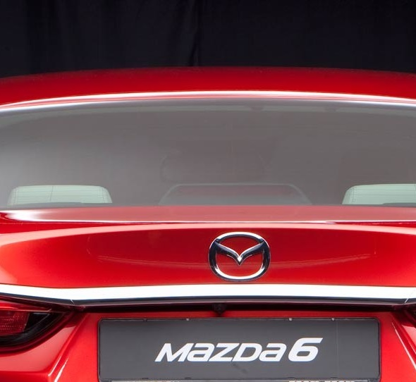 MAZDA 6. Font please. Fuente, por favor.