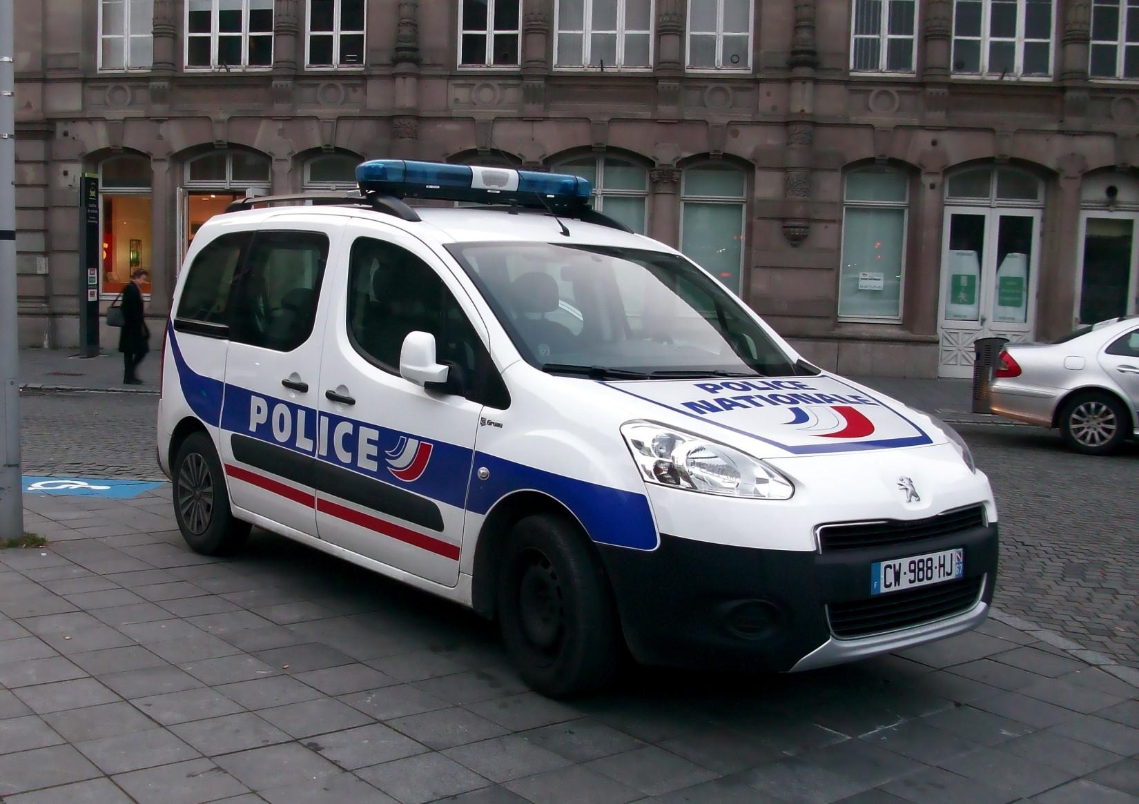 French Police Car Font Forum Dafont Com