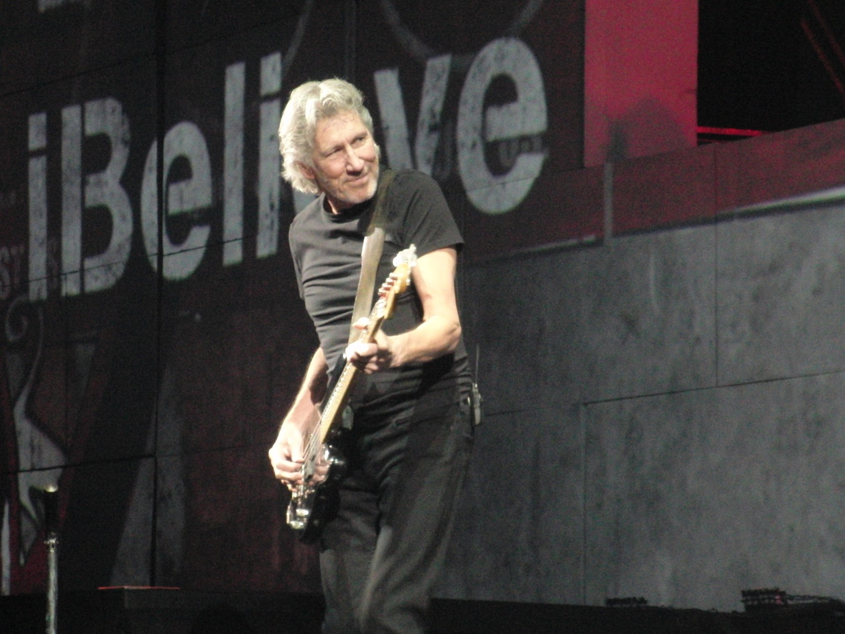 Roger Waters Live In Lisboa